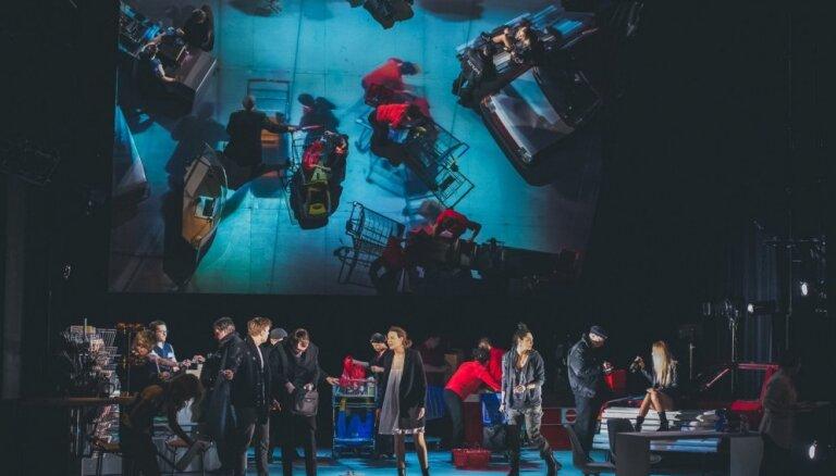Liepājas teātra izrādes scenogrāfija rosina diskusiju par plaģiātu