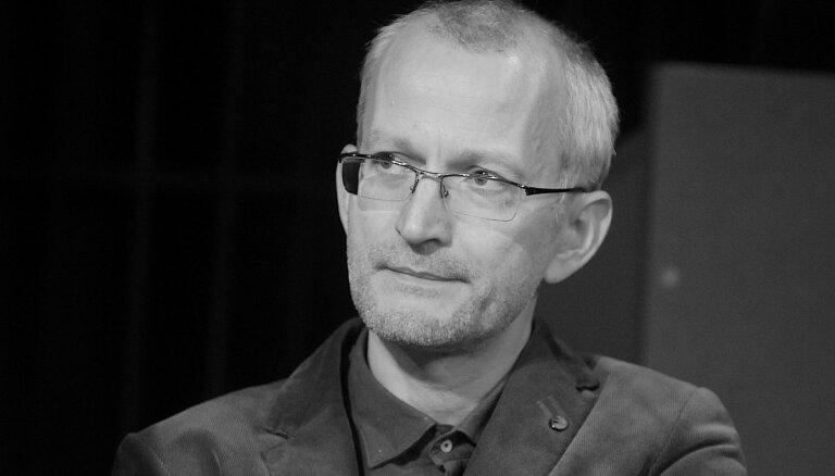 Mūžībā devies rakstnieks Pauls Bankovskis