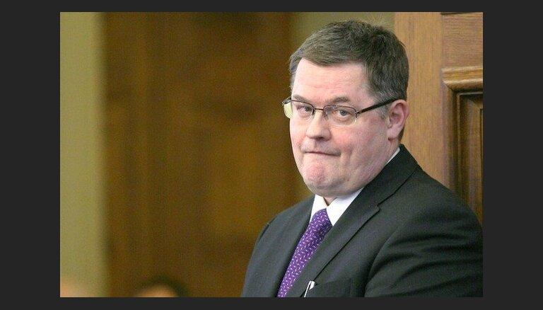 Государство заплатит депутату за противоправное увольнение