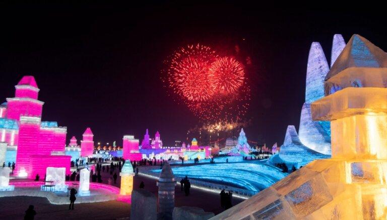 ФОТО. В Харбине построили гигантский город из льда и снега