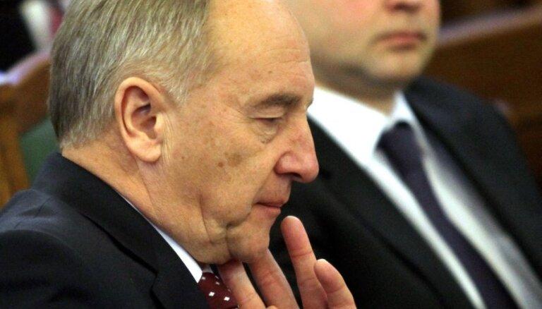 Президент Латвии работает над улучшением своего английского