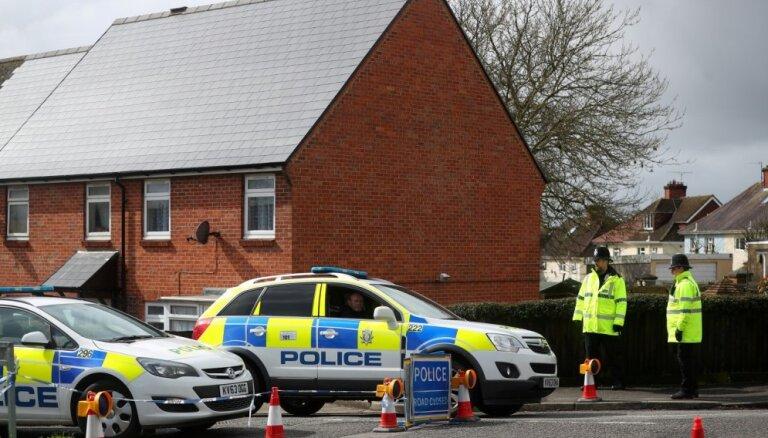 Saistībā ar Skripaļu saindēšanu jau pieci aizdomās turamie, ziņo britu mediji