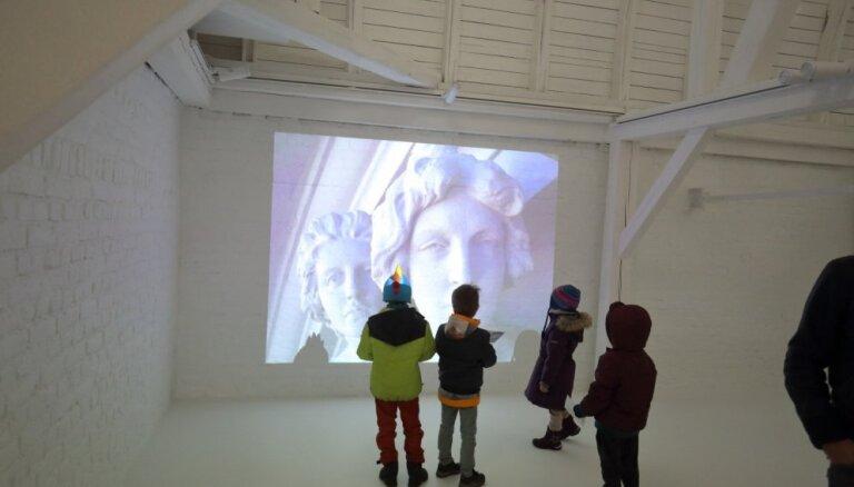Bērna pirmais muzeja apmeklējums: padomi un ieteikumi atpūtai februārī