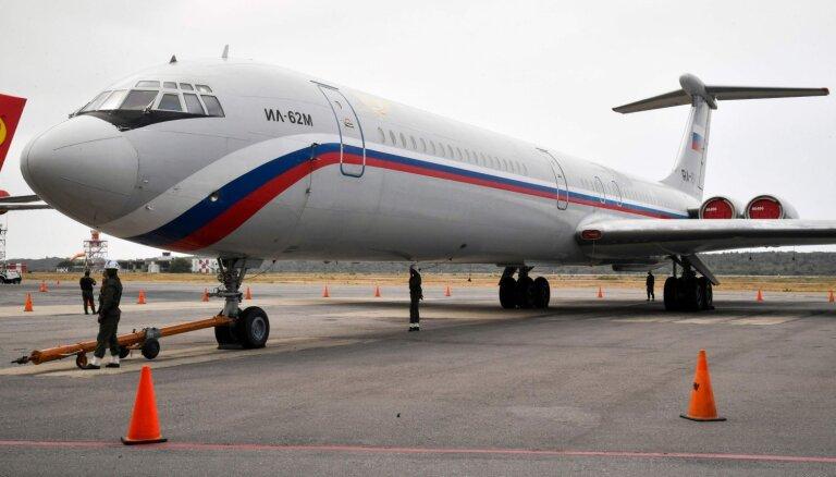 Krievija izved militāros tehniķus no Venecuēlas