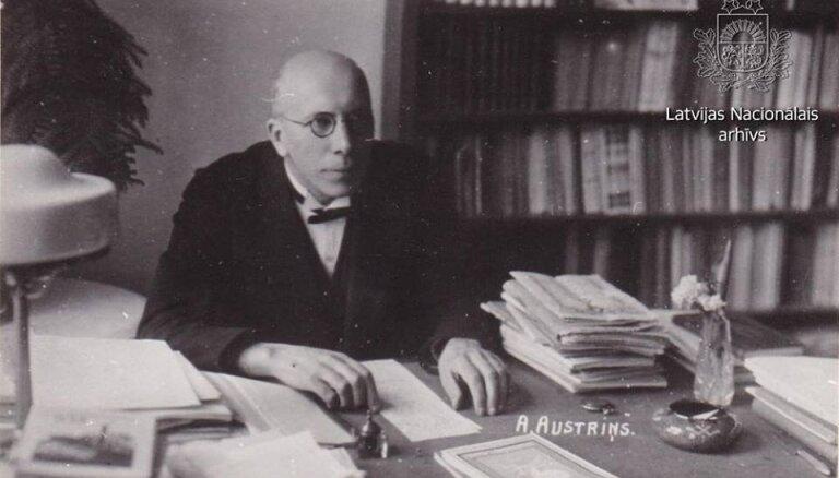 Arhīva foto: Rakstniekam Antonam Austriņam – 135