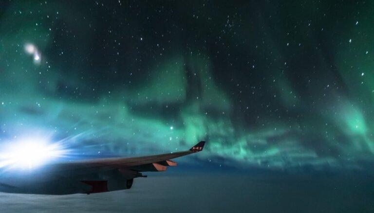 ФОТО: Латвиец сфотографировал фантастическое северное сияние с борта самолета
