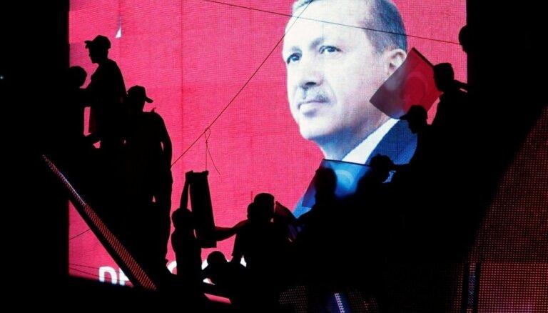 Erdogans: Turcija apsvērs nāvessoda atjaunošanu