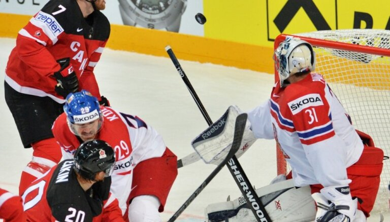 Video: Kanādas hokejisti turpina uzvaras gājienu