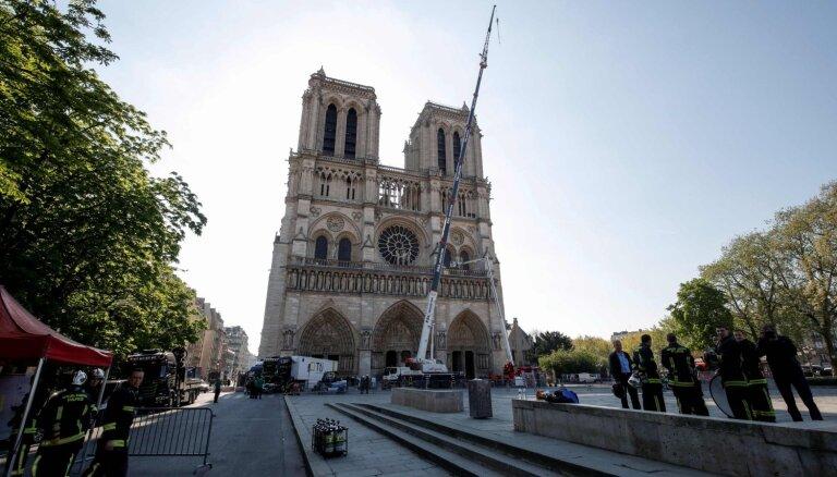 Serbija Parīzes Dievmātes katedrāles atjaunošanai ziedos vienu miljonu eiro