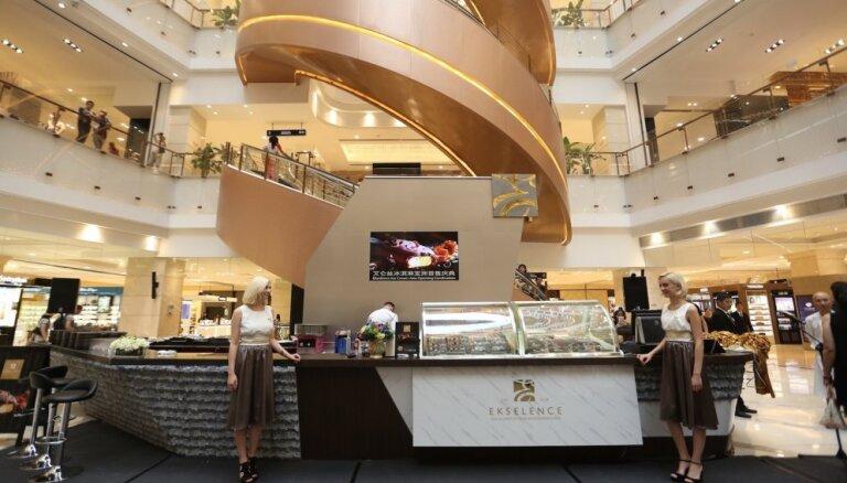 ФОТО: в Китае открылся первый магазин с латвийским мороженым