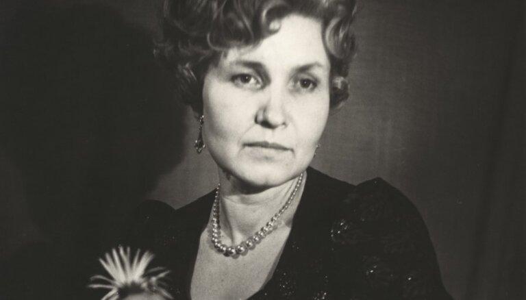 Aprit 85 gadi, kopš dzimusi dzejniece Ārija Elksne