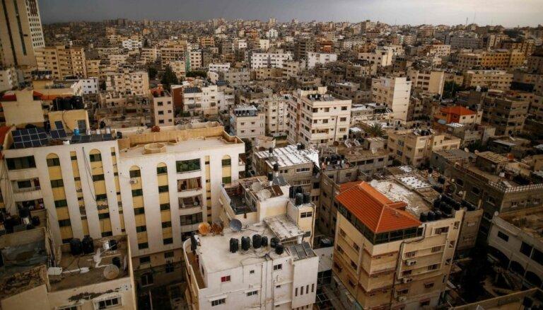 Izraēla Gazā bombardējusi 'Hamas' pazemes pozīcijas