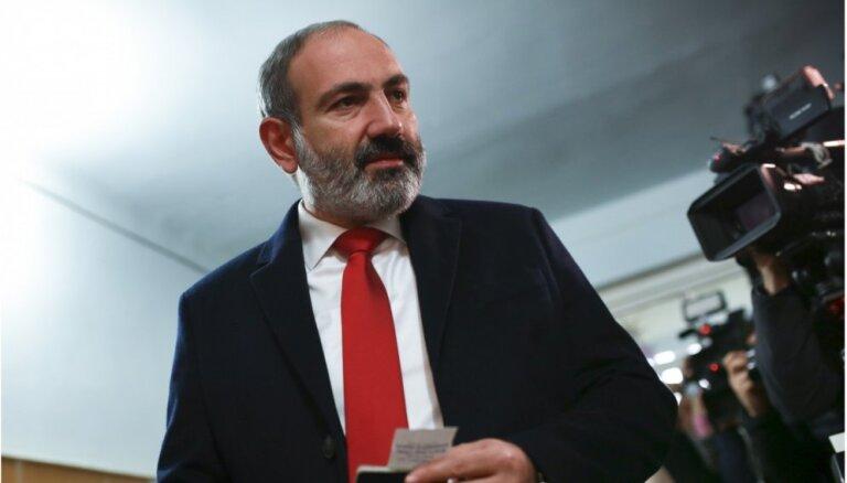 Армения: генерал обвинил премьера Пашиняна в грубых ошибках в войне в Карабахе