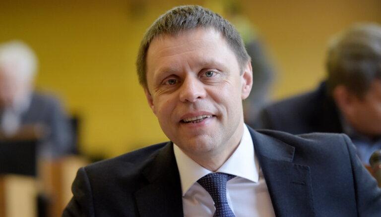 Вице-мэр Риги Баранник за год заработал в думе 34 000 евро, в Рижском порту — 45 000 евро