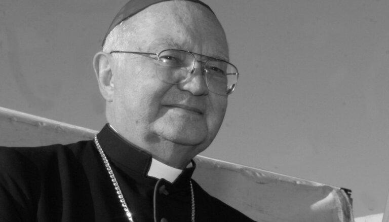 Bīskapu Antonu Justu apbedīs Jelgavas katoļu katedrāles dārzā