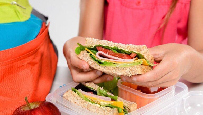 Ātras un sātīgas sviestmaizes: vienkāršas receptes bērna launaga kārbiņai