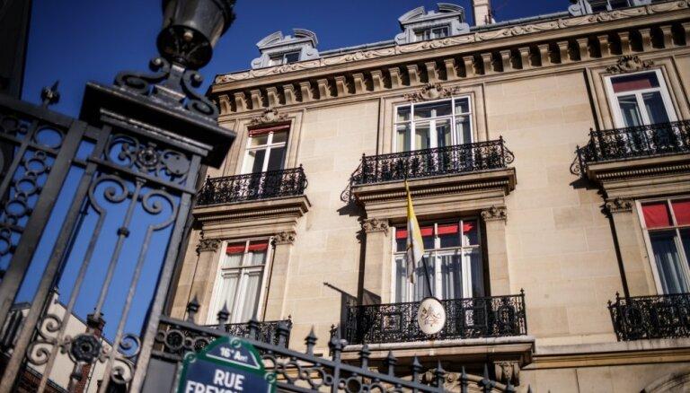 Francijā par seksuālu uzbrukumu apsūdzēts Vatikāna sūtnis