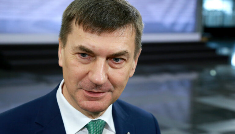 """""""Надо было раньше"""". Экс-премьер Эстонии рассказал о переносе """"Бронзового солдата"""""""
