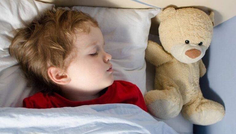 Kā uzlabot miegu bērniem ar autismu