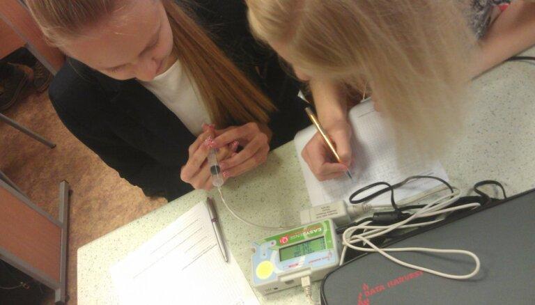 Bērnus un jauniešus aicina uz pirmo fizikas festivālu Latvijā