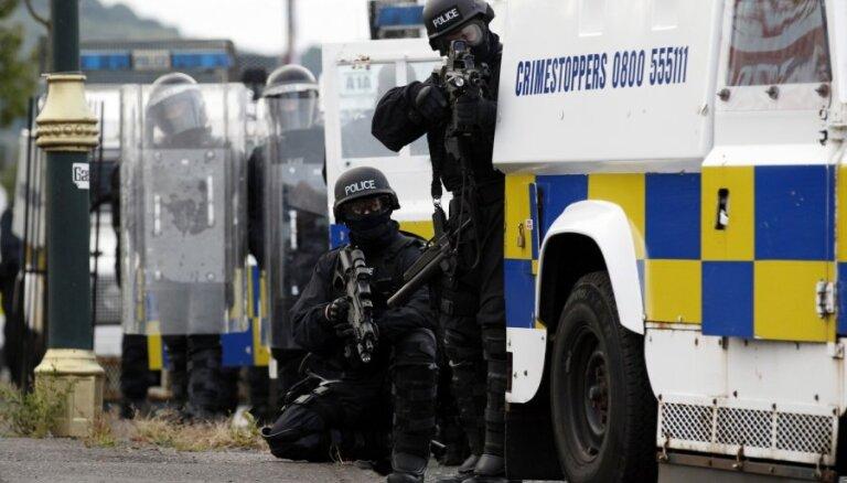 Ziemeļīrijas policija atradusi lielu slēptuvi ar spridzekļu detaļām un sprāgstvielām
