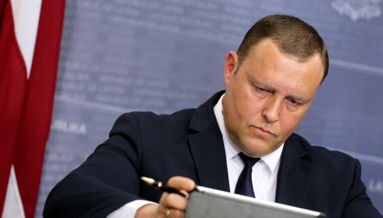 Iekšlietu ministrs kopš Ukrainas-Krievijas notikumiem 'melnajā sarakstā' iekļāvis 21 personu