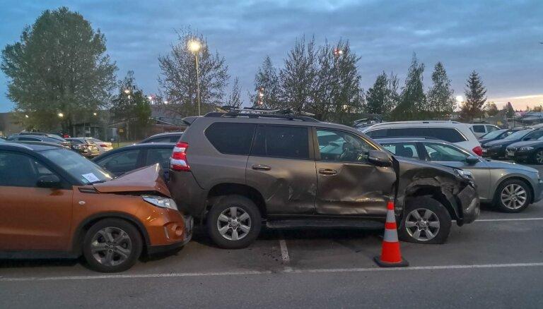 Гиргенс предлагает ужесточить наказания за аварии на парковках