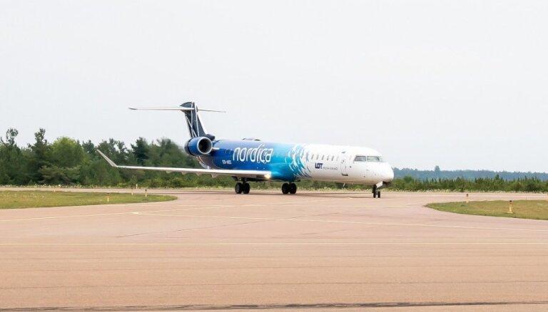 Самолет эстонской авиакомпании из-за технической неисправности над Латвией вернулся в Таллин