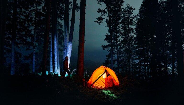 Nakšņot dabā: ko ņemt vērā, lai būtu silti un ērti