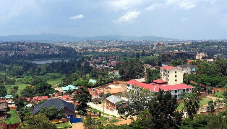 Ruanda uzņem pirmos Lībijā iestrēgušos migrantus