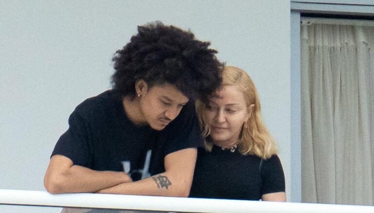 ФОТО: 61-летняя Мадонна наслаждается романом с 25-летним возлюбленным