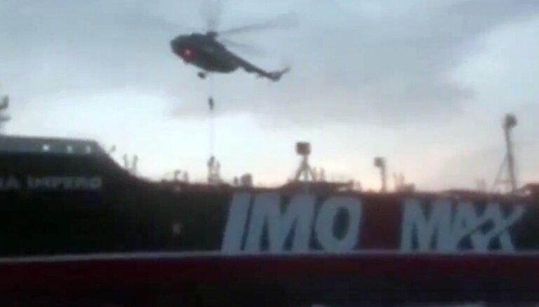 Irāna izplatījusi video ar britu tankkuģa aizturēšanu