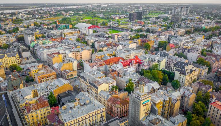 Mājokļu tirgū papildinājums – ieplūst Rīgas centra biroji