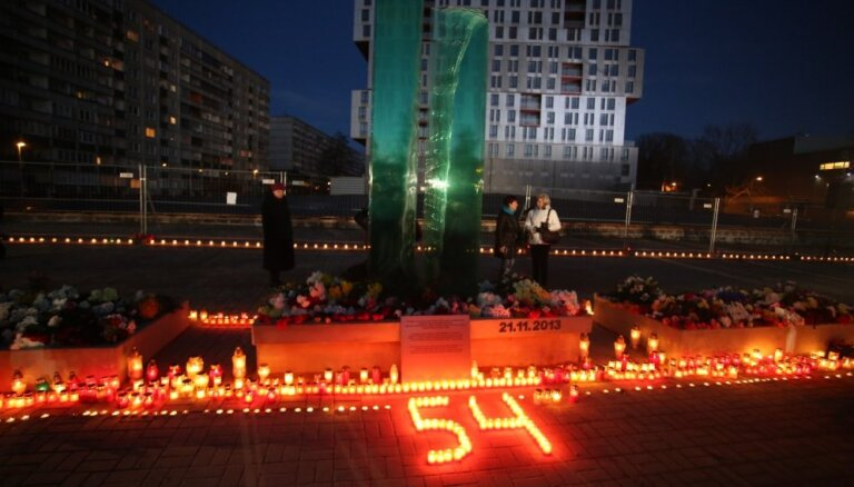 'Slepkavceltnieki' un Kremļa nauda: grāmatā pēta Zolitūdes traģēdijas iemeslus