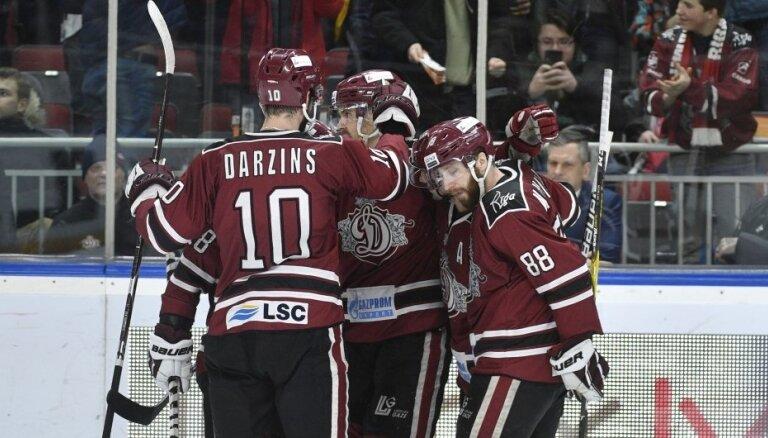 Rīgas 'Dinamo' realizē četrus vairākumus un 'sausā' sagrauj 'Slovan'