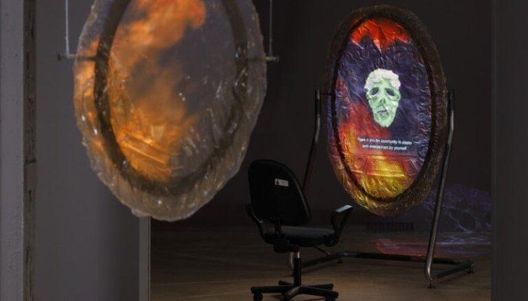 'Kim?' laikmetīgās mākslas centrs aicina uz izstāžu cikla noslēguma pasākumiem