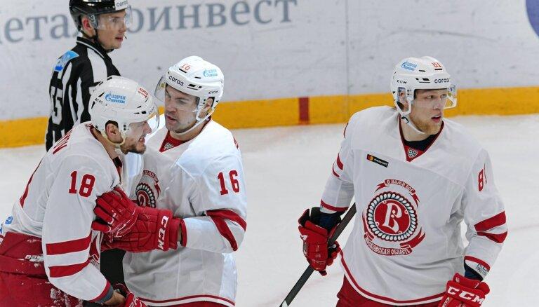 Daugaviņš un 'Vitjazj' piekāpjas 'Torpedo' vienībai