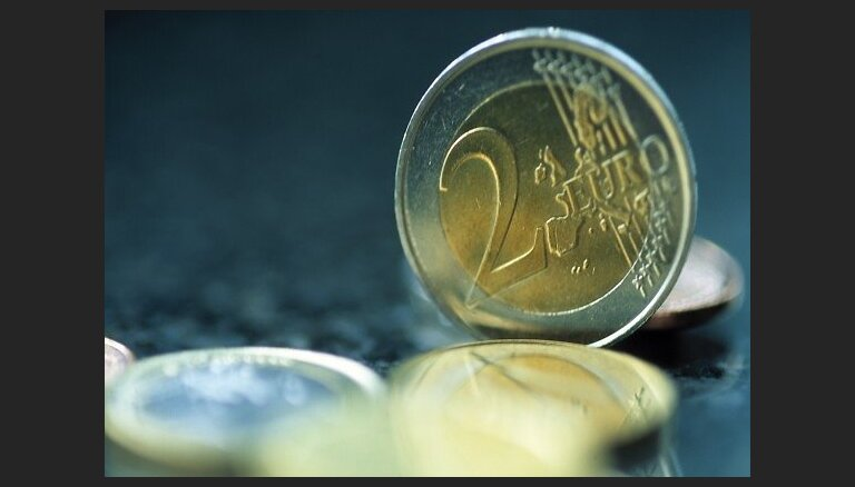 BBS apskats: Eiro atsāk augt pret citām lielākajām pasaules valūtām