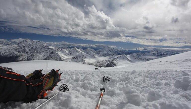 Трагедия на Эльбрусе. Во время восхождения погибли пять альпинистов, 14 удалось спасти