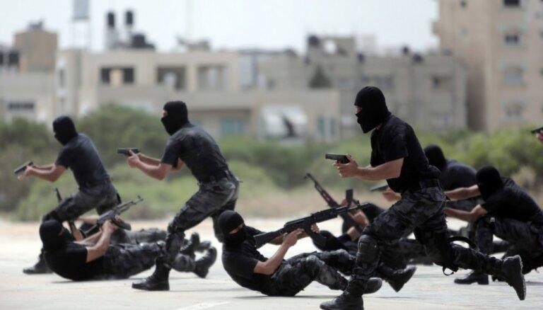 'Hamas' grasās mīkstināt pozīciju pret Izraēlu, atklāj anonīmi avoti