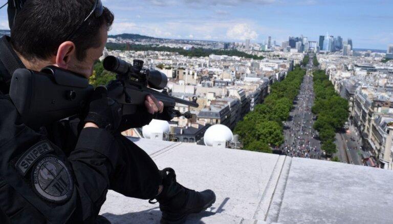 Olands paziņo par Nacionālās gvardes veidošanu Francijā