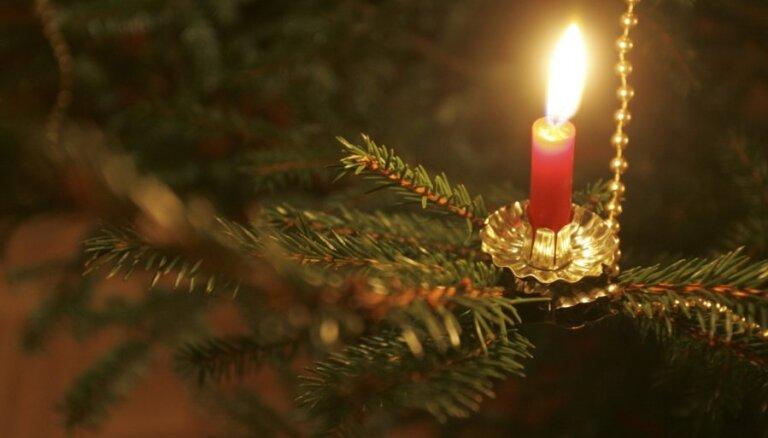Audžuģimenes ieskandinās Ziemassvētkus