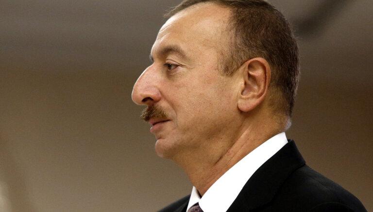 Президент Азербайджана приказал демобилизовать всех солдат, призванных на войну в Карабахе