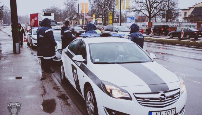 Aizvien vairāk cilvēku ziņo policijai par noziegumiem