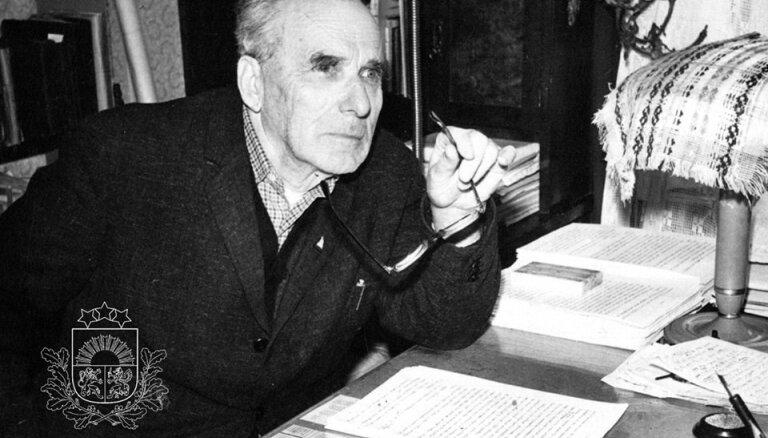 Arhīva foto: 15. februāra jubilārs – rakstnieks un pedagogs Herberts Dorbe
