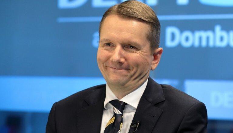'Delfi TV ar Jāni Domburu' atbild FKTK vadītājs Putniņš