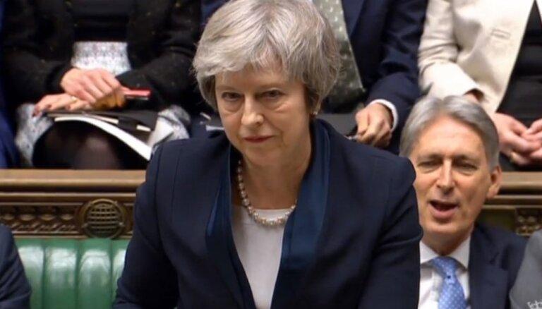 Lielbritānijas parlaments noraida Mejas piedāvāto 'Brexit' vienošanos