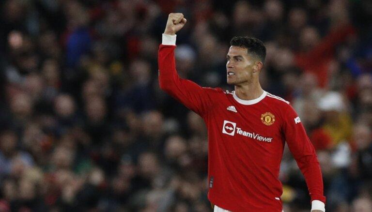 'Manchester United' atspēlē divu vārtu deficītu un pieveic 'Atalanta'