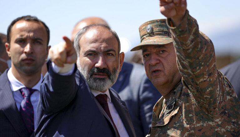 Azerbaidžāna uz robežas saņēmusi gūstā sešus armēņu karavīrus