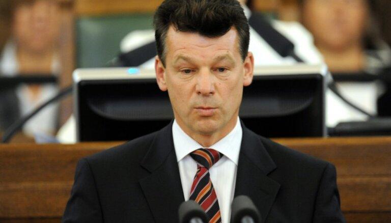 Несмотря на развал коалиции в думе, мэр Даугавпилса улетел в Грузию